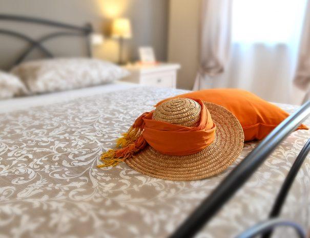 iris bed and breakfast camera girasole